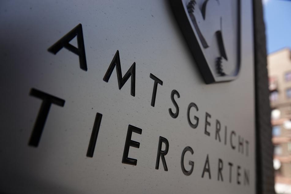 Das Amtsgericht Tiergarten verurteilte den 31 Jahre alten Lehrer zu zehn Monaten Gefängnis (Symbolbild).