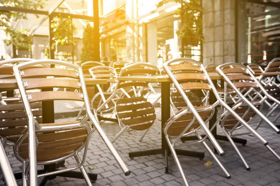 """Vorerst müssen die Stühle beim Zwickauer """"Alex"""" leer bleiben. (Symbolbild)"""