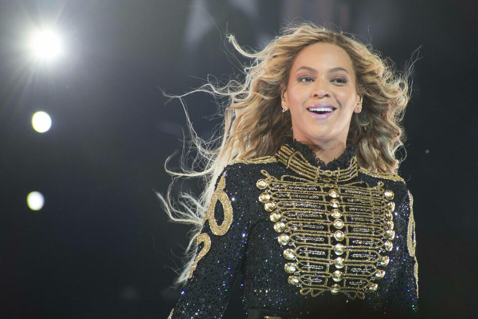 Beyoncé's foundation works with Houston non-profit to provide storm relief