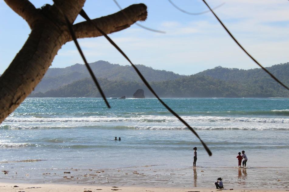 Auf der indonesischen Insel Java sind beim Kentern eines Bootes mindestens sieben Menschen ums Leben gekommen. (Symbolbild)