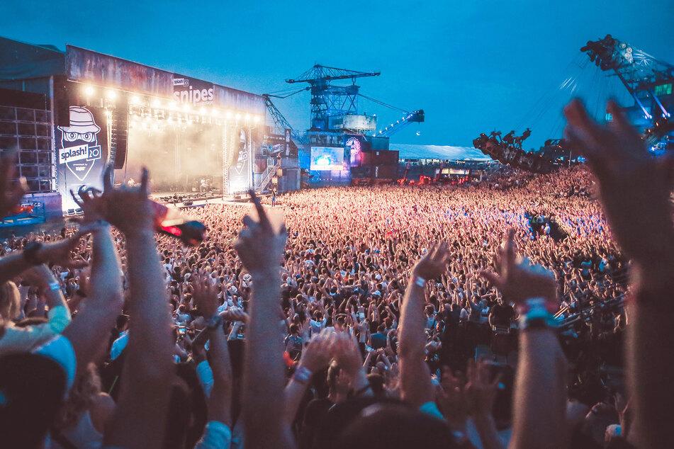 Große Events zu besuchen, wie hier beispielsweise das Splash-Festival in Gräfenhainichen (Sachsen-Anhalt), ist für 59 Prozent der Befragten unvorstellbar.