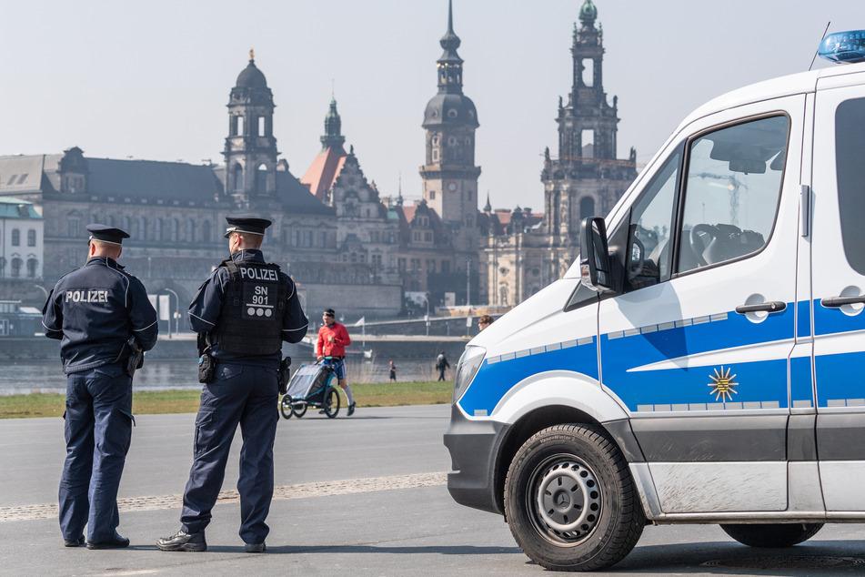 Derartige Kontrollen fanden am vergangenen Wochenende bereits in Dresden, beispielsweise am Elbradweg mit Blick auf die historische Altstadt, statt.