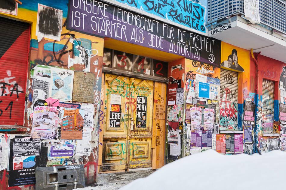 Die Bewohner der Rigaer Straße 94 wollen Widerstand gegen die angekündigte Brandschutz-Untersuchung leisten.
