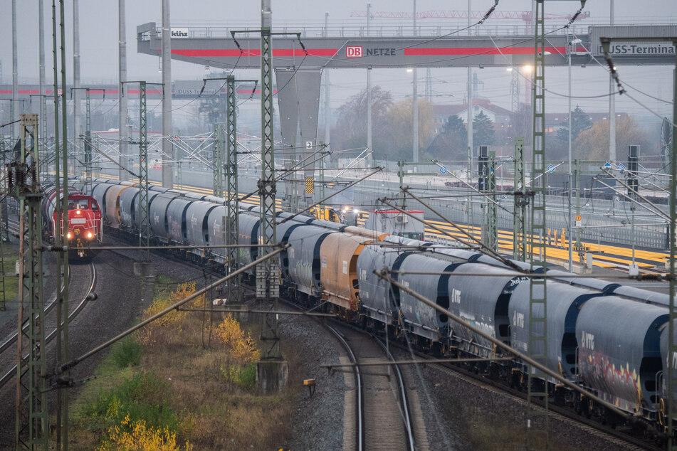 Für die Rekordsumme von 1,86 Milliarden Euro will die Deutsche Bahn im laufenden Jahr die Eisenbahn-Infrastruktur in Nordrhein-Westfalen verbessern.