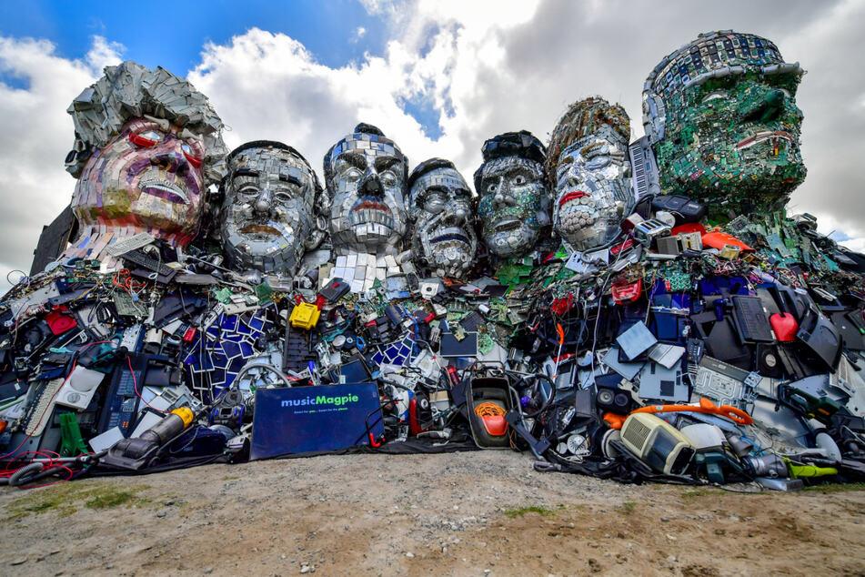 """""""Mount Recyclemore"""": Künstler wollen zum G7-Gipfel auf Elektromüll aufmerksam machen"""