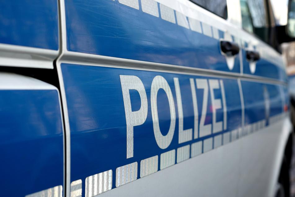Zweijährige stirbt bei Unfall: Mädchen von Bagger überrollt?
