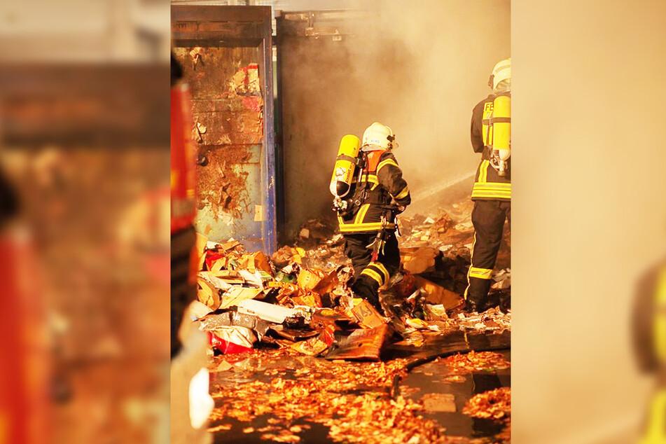 Die unheimliche Brandserie hielt die Feuerwehrmänner die ganze Nacht in Atem.