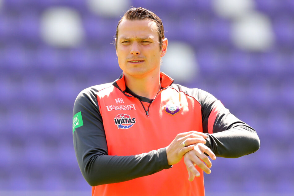 Marc Hensel bereitet die Auer Mannschaft auf das Match gegen Fortuna Düsseldorf vor.