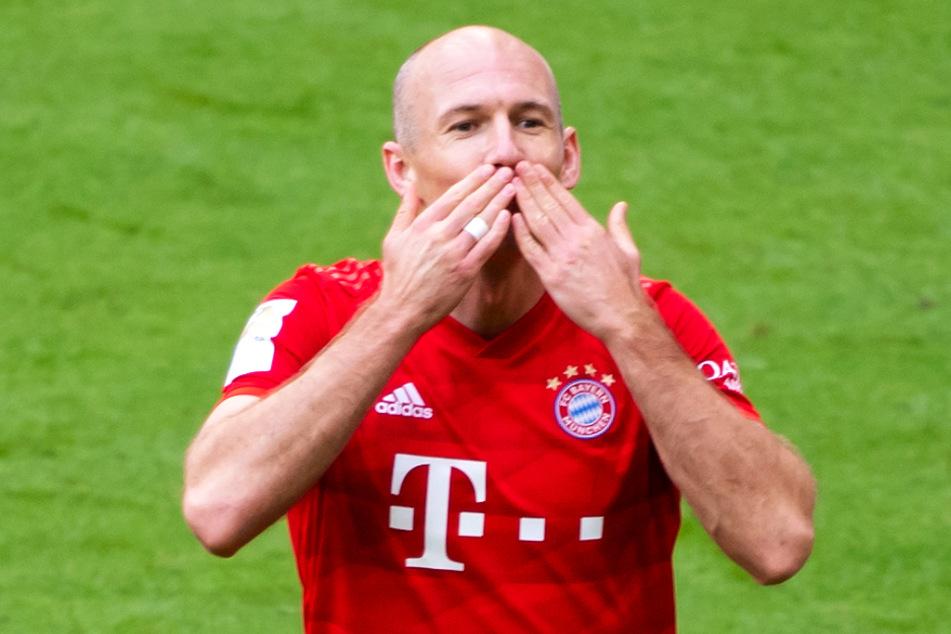 Arjen Robben kehrt nach einer einjährigen Fußballpause doch noch einmal als Profi zurück.