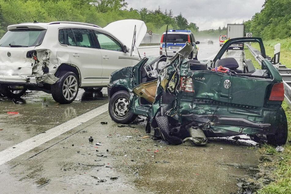 Zwei Volkswagen waren an dem Unfall beteiligt und bekamen einigen Schaden ab.