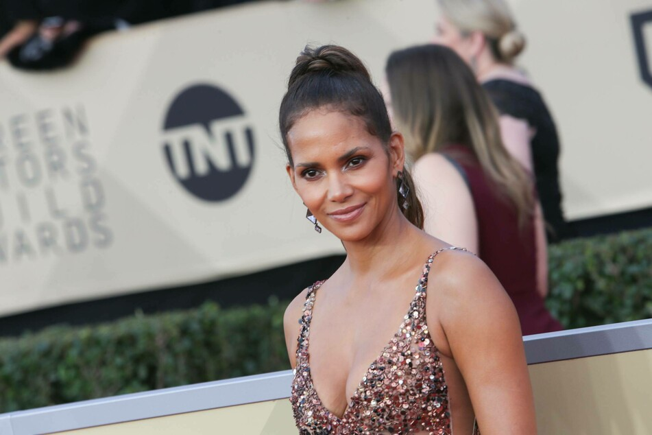 Halle Berry finally reveals her new boyfriend with sly post