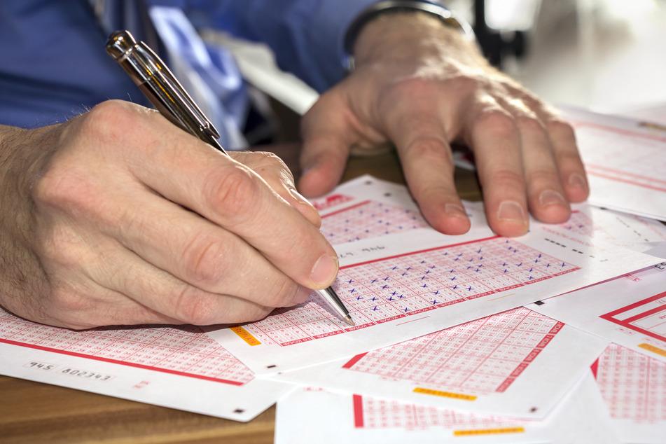 Glücklicher Gewinner: Leipziger Lottospieler um 77.777 Euro reicher!