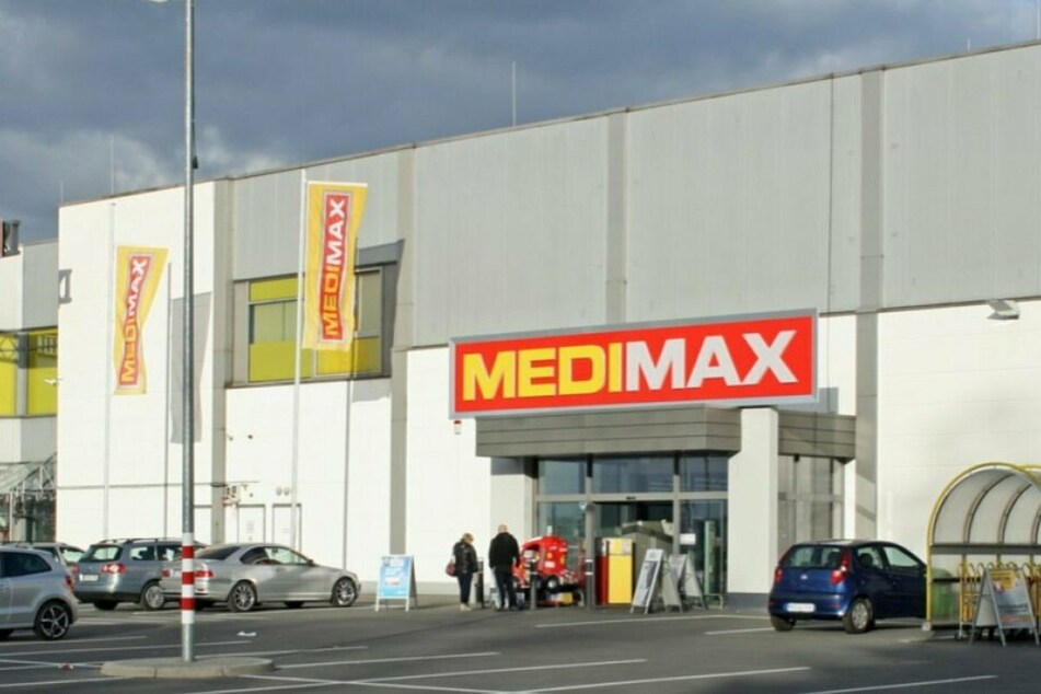 MEDIMAX baut um und gibt hohe Rabatte auf TVs, Haushaltsgeräte und Co.