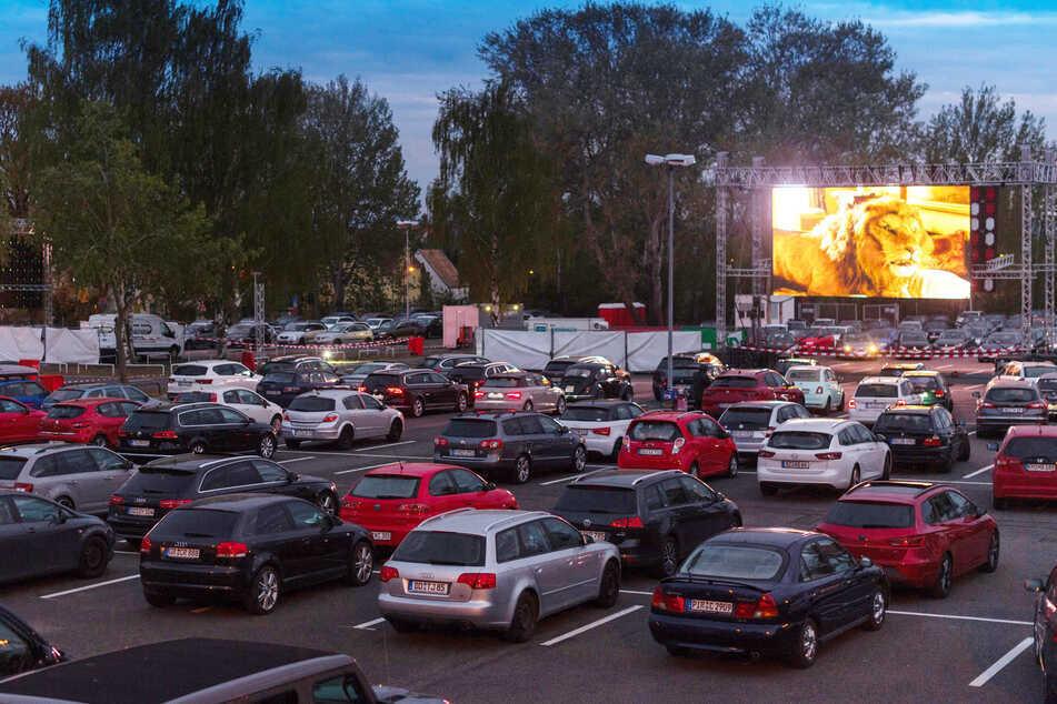 Am Dresdner Flughafen wird es auch dieses Jahr wieder ein Autokino geben.
