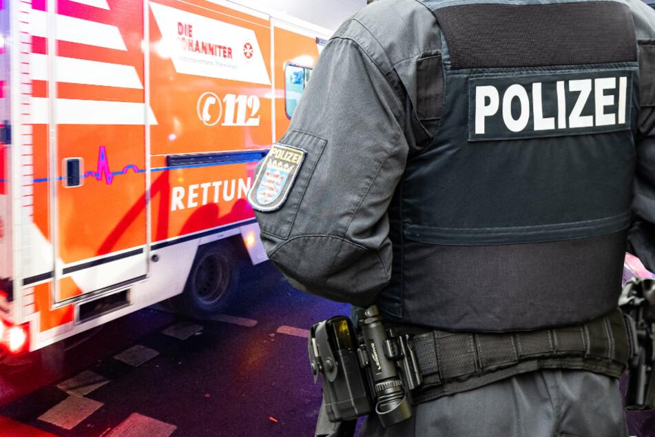 Der herbeigerufene Rettungsdienst versorgte den verletzten 57-Jährigen (Symbolbild).