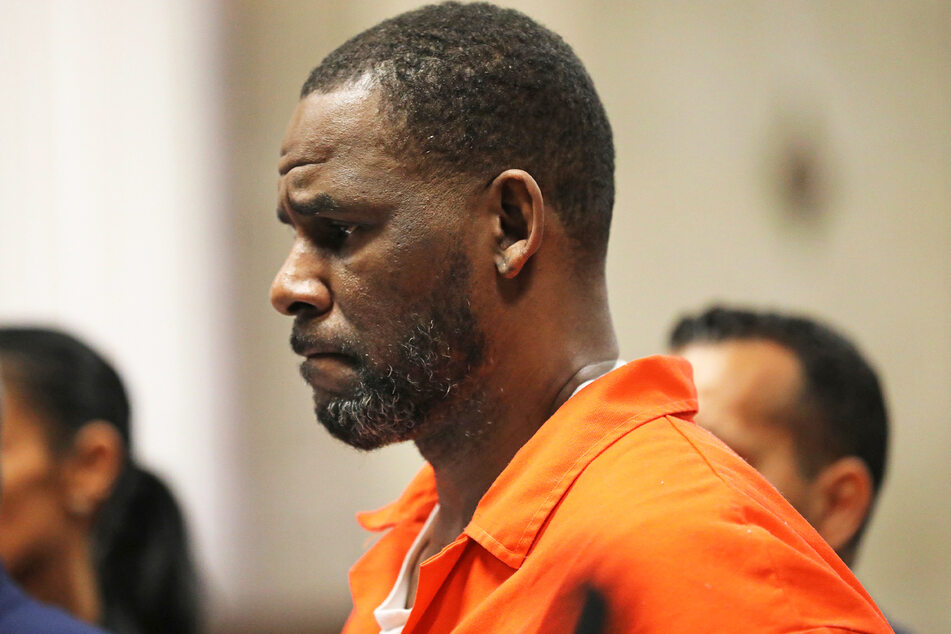 R. Kelly (54) wurde am Montag schuldig gesprochen. (Archivbild)