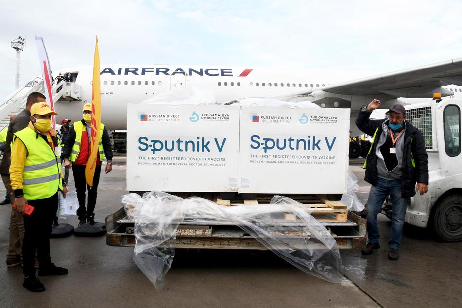 In viele Länder (im Foto Tunesien) wird Sputnik V bereits geliefert. Auch in Deutschland werden immer mehr Rufe nach dem russischen Impfstoff laut.