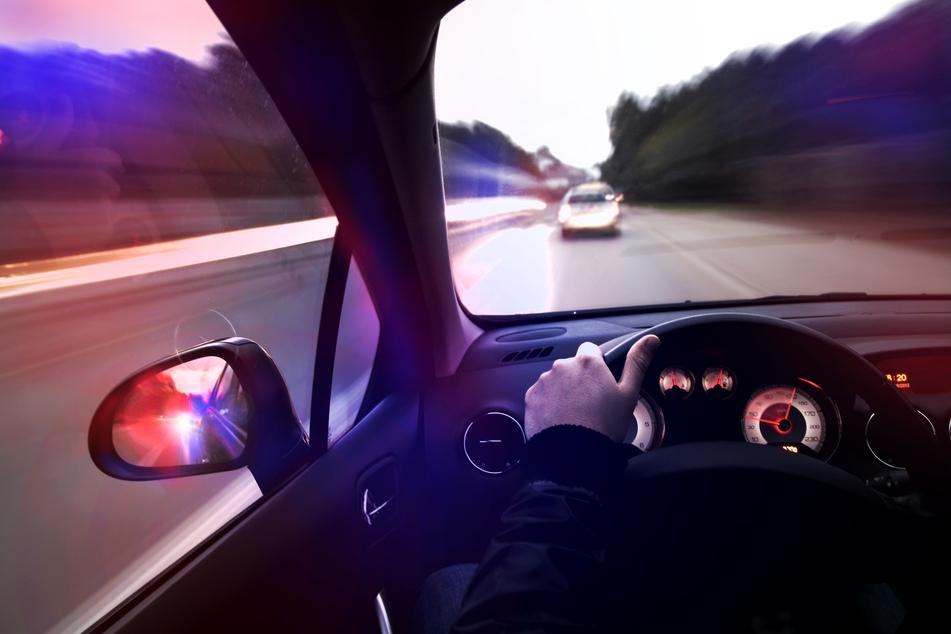 Der Mann fuhr über die A14 auf einen Parkplatz, dort schnappte ihn die Polizei (Symbolbild).