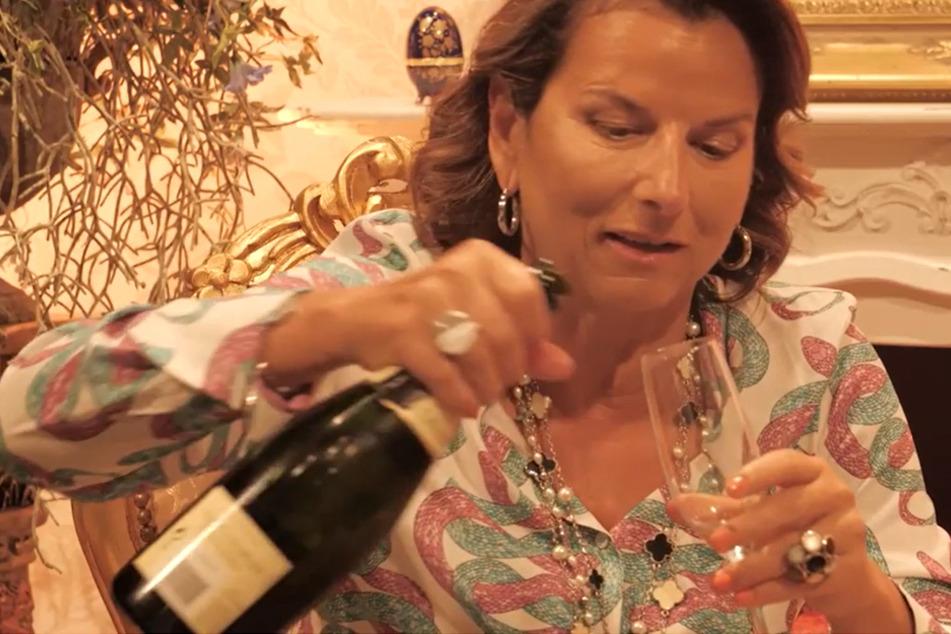 "Promi Big Brother: Claudia Obert hängt an der Flasche! ""Ich brauch' mehr Alkohol!"""