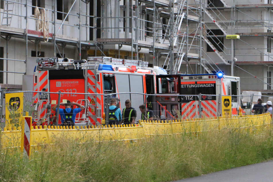 Arbeitsunfall in Leipzig: Bauarbeiter (33) von Stein getroffen und lebensbedrohlich verletzt
