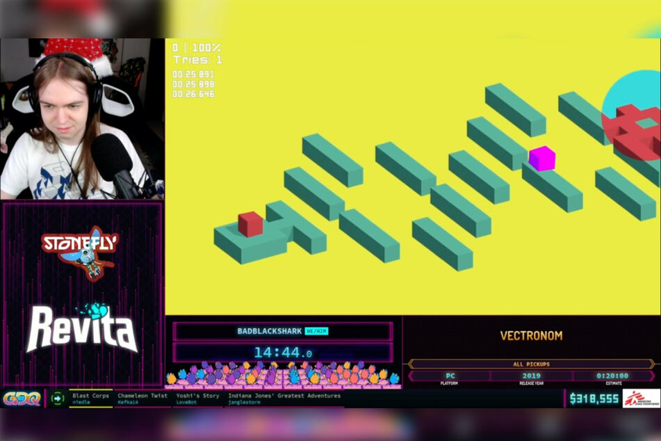 The goal of Vectronom is to bounce a block on an ever-changing playing field at a certain pace, while avoiding deadly traps.