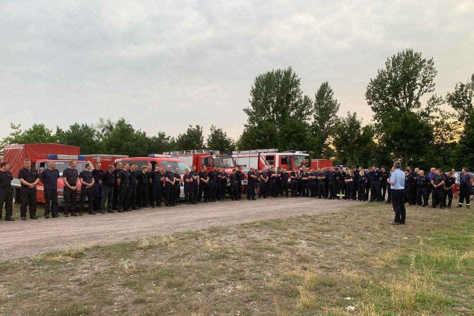 Am Donnerstagabend hatten sich mehr als 70 Freiwillige versammelt, um ins Katastrophengebiet nach Rheinland-Pfalz aufzubrechen.