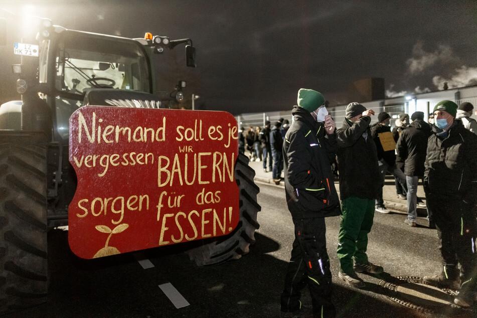 Die Landwirte protestieren gegen die Preispolitik des Discounters.