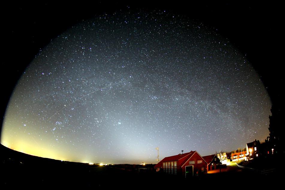 Blick in den Sternenhimmel über Spiekeroog.