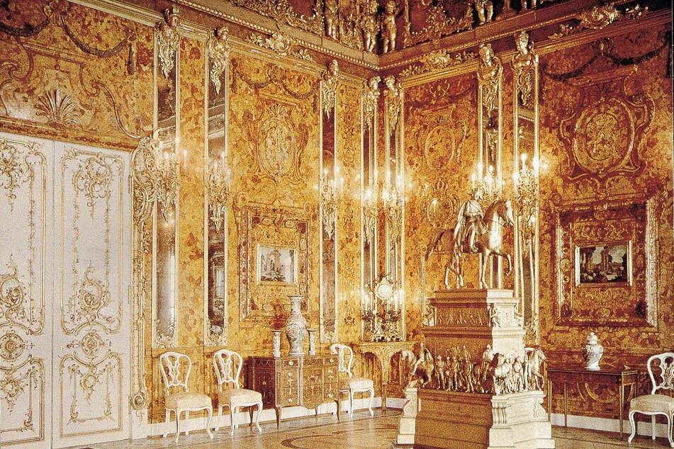 Die historische Aufnahme von 1930 zeigt einen Teil des Zimmers im Katharinen-Palast bei St. Petersburg.