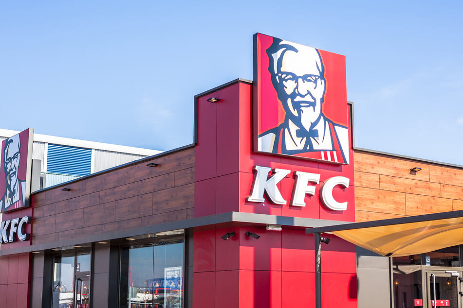 Disgusted woman finds an unexpected part of the chicken in her KFC meal