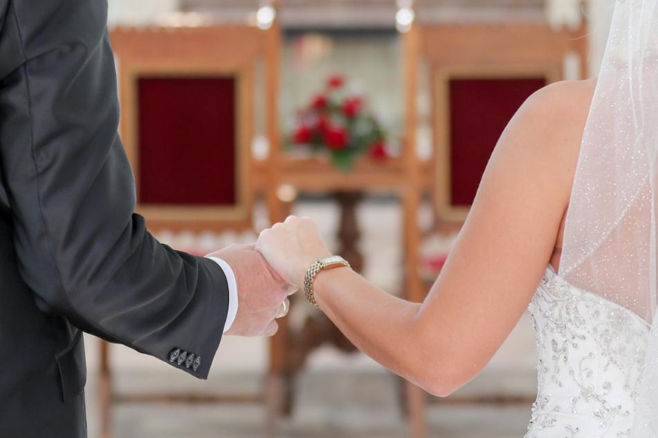 Heiraten in Zeiten des Coronavirus ist nicht einfach. (Symbolbild)