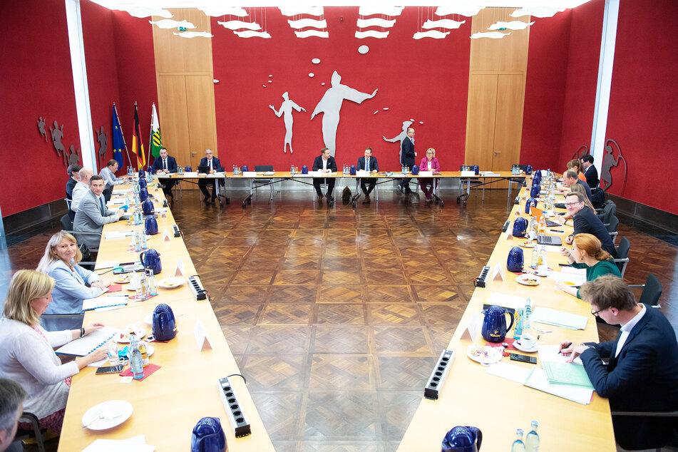 Streiten, reden, Kompromisse machen: CDU, Grüne und SPD einigten sich gestern im Koalitionsausschuss etwa auf eine Stärkung der Krankenhauslandschaft.