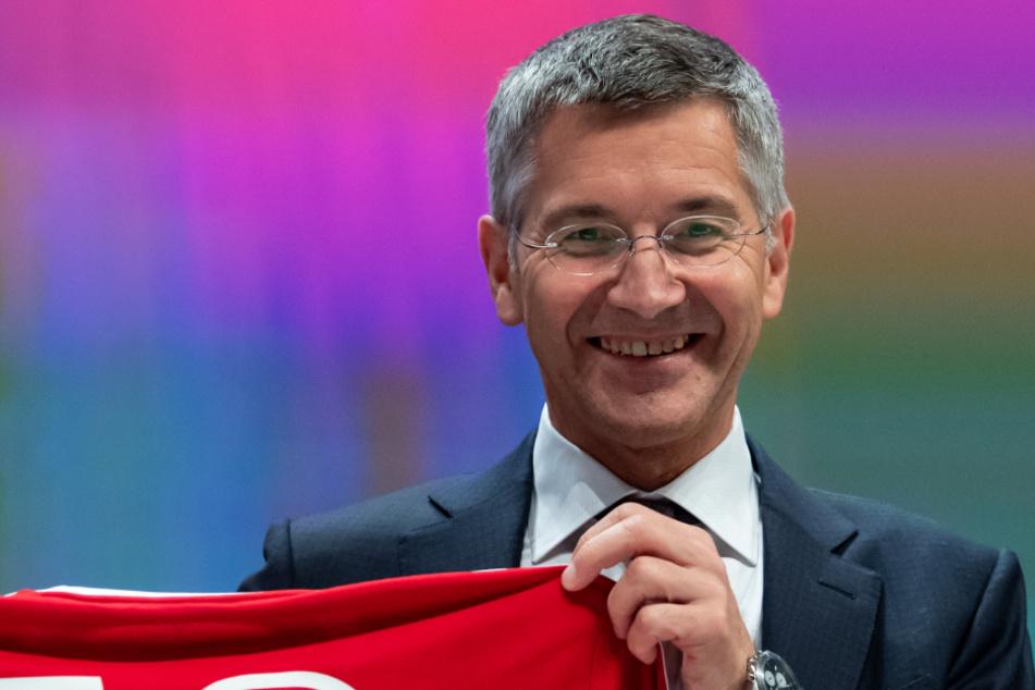 Herbert Hainer (66) vom FC Bayern München hofft in der Coronavirus-Pandemie im neuen Jahr auf Lockerungen für den Jugendsport.