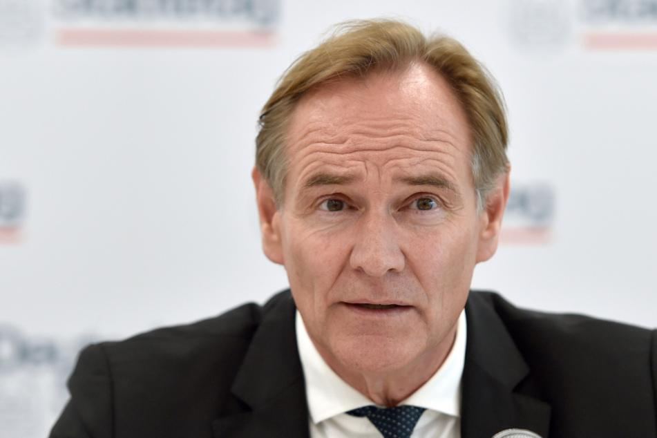 Burkhard Jung (62, SPD).