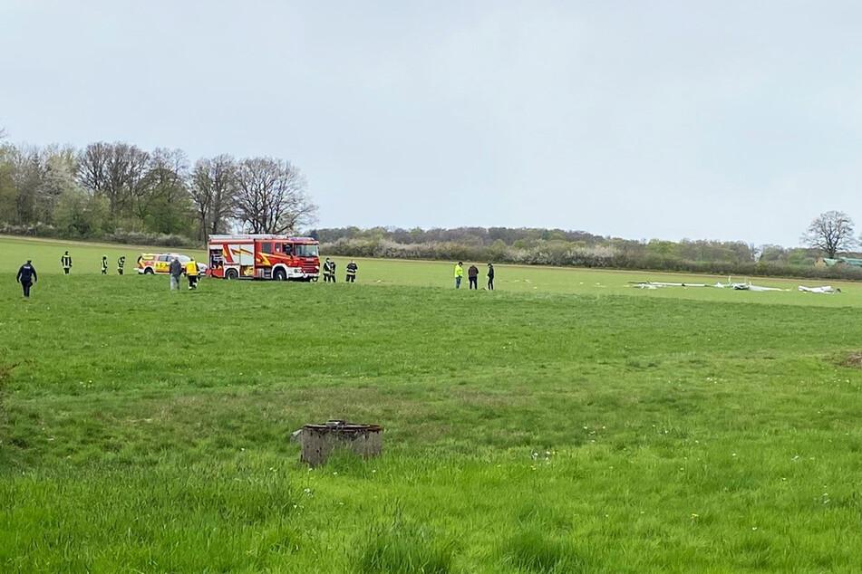 Das Segelflugzeug stürzte am Butterberg bei Bad Meinberg ab. Für den Piloten (74) kam jede Hilfe zu spät.