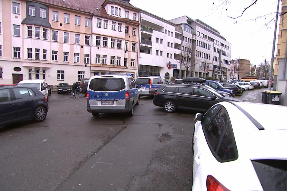 An zwei verschiedenen Stellen in Connewitz fanden am heutigen Mittwoch Hausdurchsuchungen gegen mutmaßliche Beteiligte an der G20-Randale 2017 in Hamburg statt.