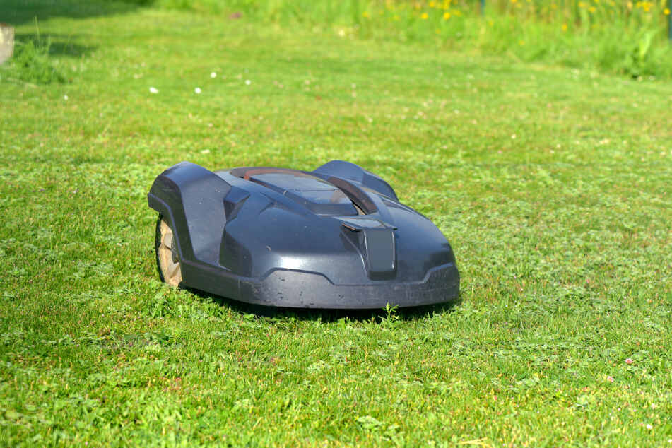 A lawn mower robot stopped its own theft (stock image).
