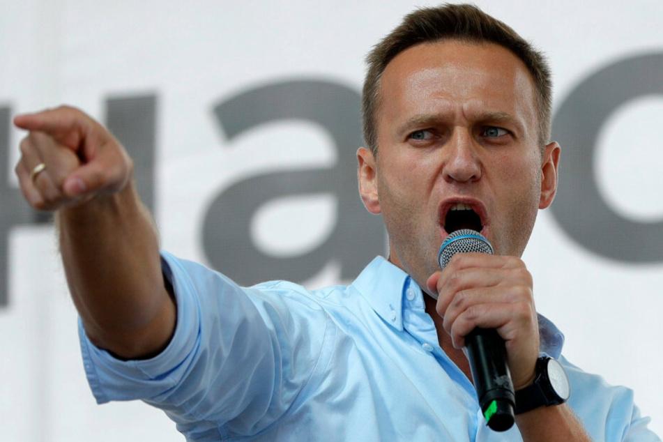 Alexej Nawalny, Oppositionsführer aus Russland, spricht bei einem Protest in Moskau.