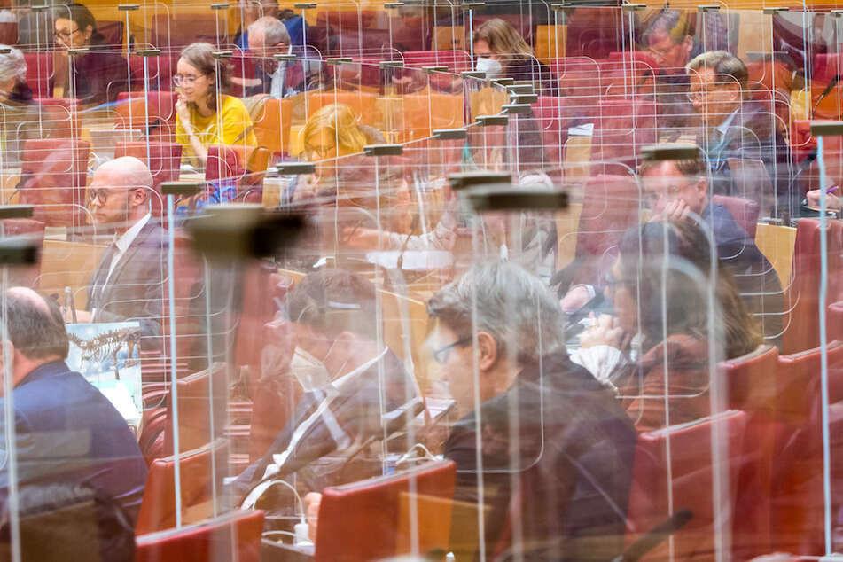 Erneuter Zoff im Landtag: Bayerns Polizeiaufgabengesetz sorgt weiterhin für Streitpunkte