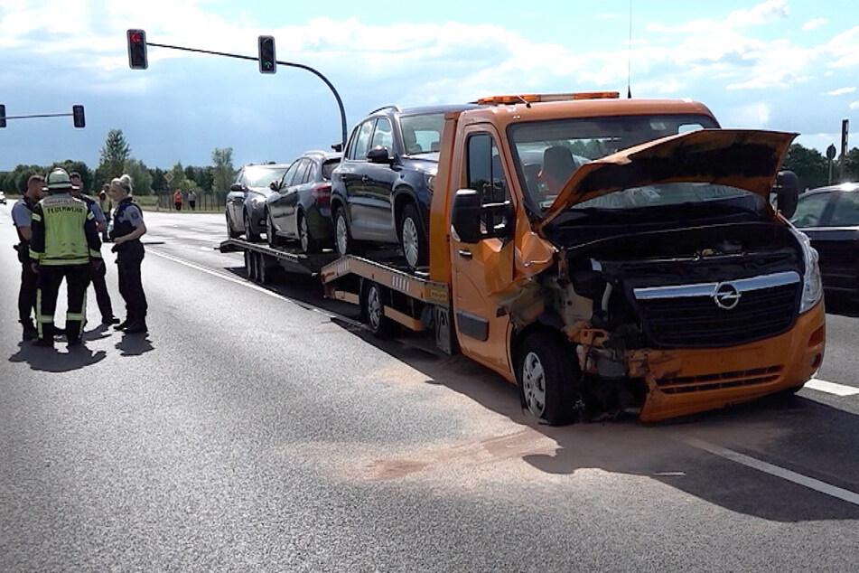 Am Transporter soll ein Totalschaden entstanden sein.