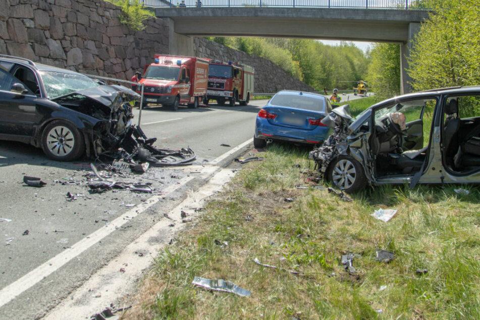 Heftiger Unfall im Erzgebirge: Rettungshubschrauber im Einsatz