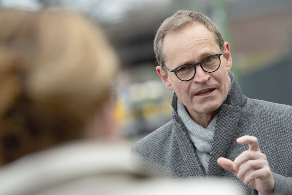 Berlins Regierender Bürgermeister Michael Müller (56, SPD) will, dass Geimpfte ihre Grund- und Freiheitsrecht zurückerlangen.