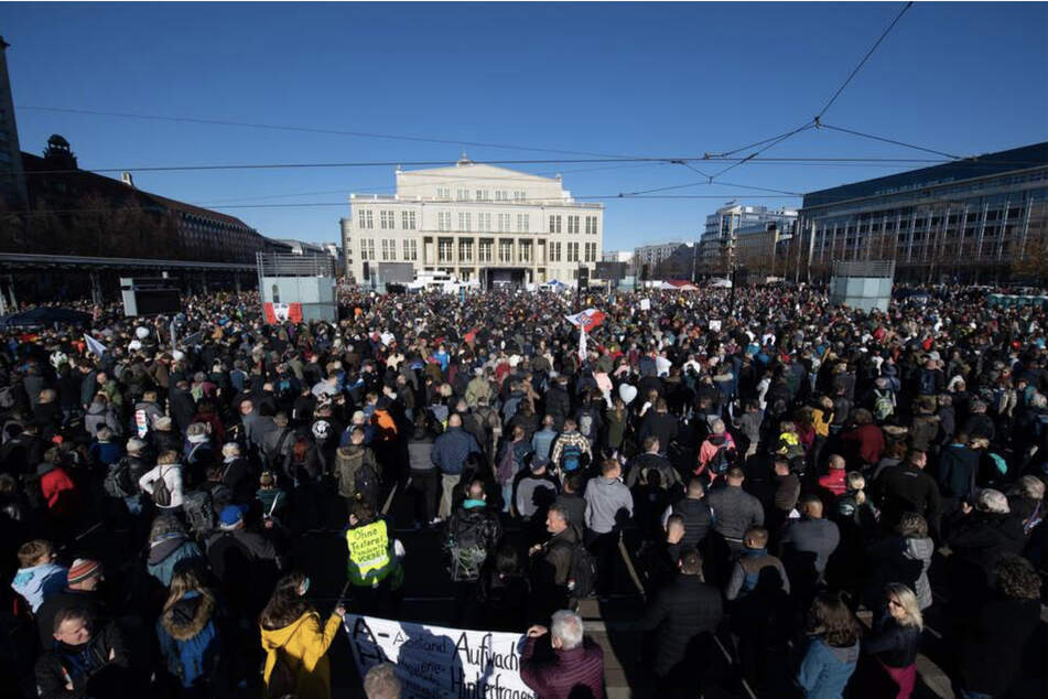Leipzig: 14 Demos am Samstag geplant: Leipziger Polizei bereitet sich erneut für Großeinsatz vor
