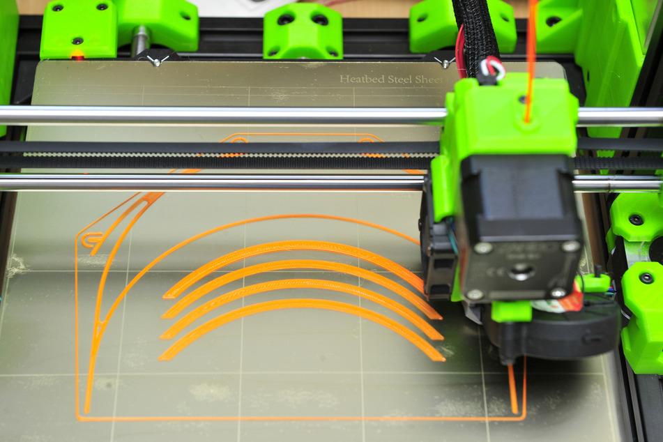 3-D-Drucker können fast alles aus Plastikgranulat fertigen.