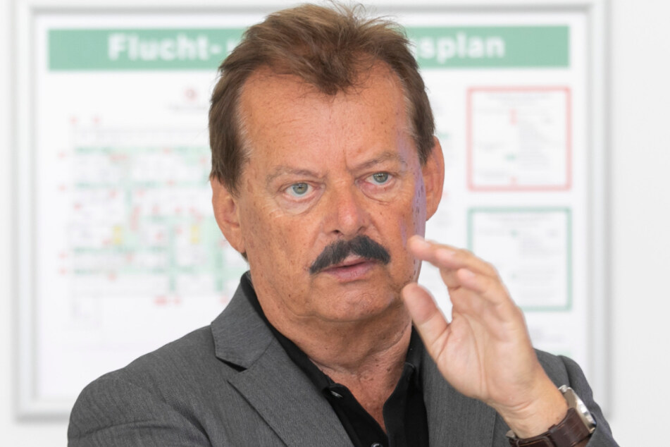 Professor Michael Albrecht (70).