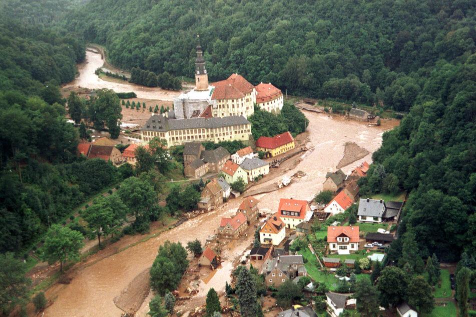 Im August 2002 wurde Weesenstein verheerend überschwemmt.