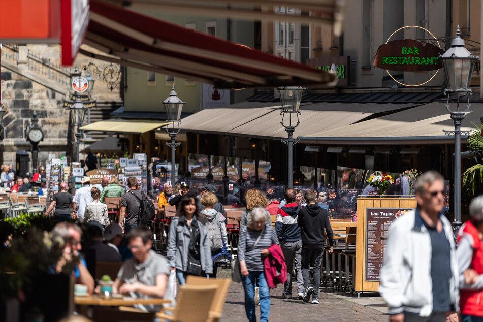 Restaurants in der Innenstadt, wie hier auf der Münzgasse, waren die letzten Tage wieder gut besucht.