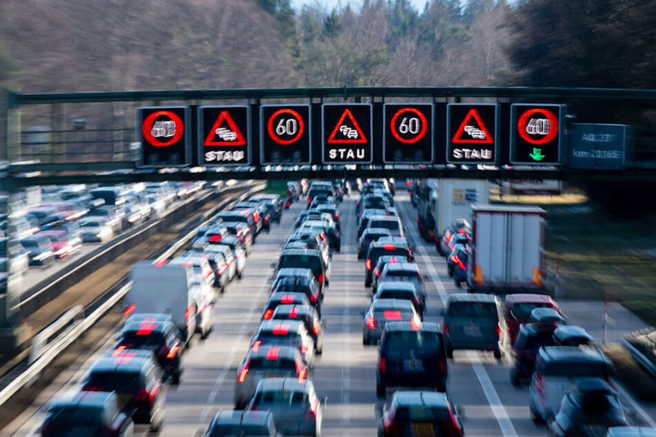 Rückreise-Verkehr: ADAC warnt vor Staus auf diesen Straßen