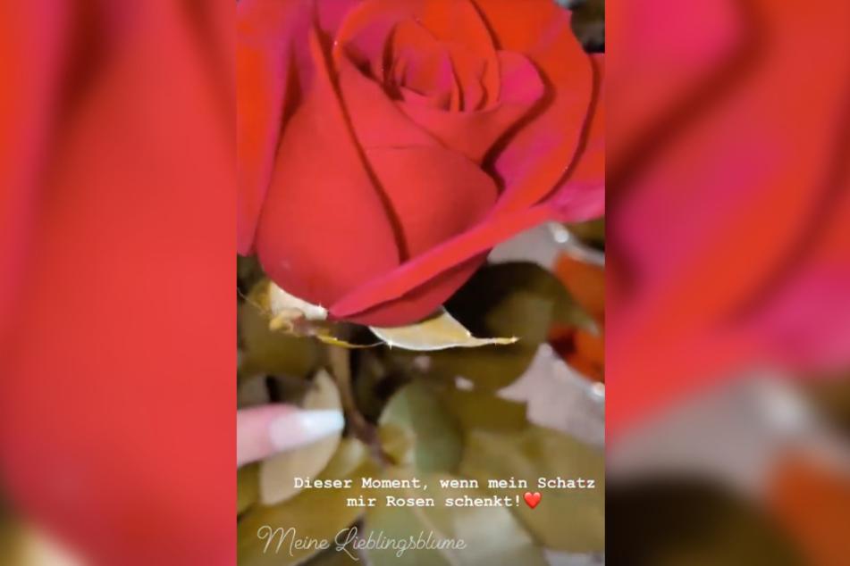 Der Wendler schenkt seiner Laura (20) rote Rosen.