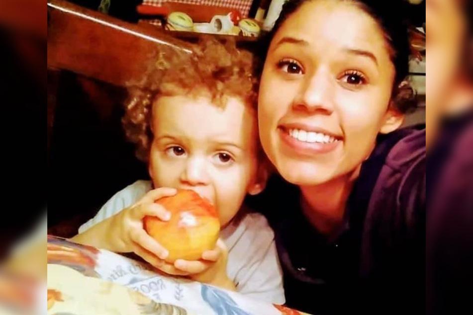 Die zweijährige Kamdyn und ihre Mutter Leila Cavett (21).